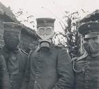 Soldats WWI, masque à gaz.
