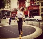 Martina Stoessel a Paris ! (16/06/2013)