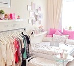 My room tour :-) :-) :-) :-) :-) :-) i loves je kif :-)