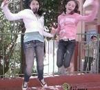 Moi et Ah'naïs qui saute ^^ J'adore cette photo !!
