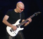 Joe Satriani : Guitard
