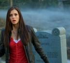 Elena au cimetière-vampire diaries
