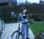 encor la copine pres de mon vélo