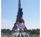 Salto Arriere à Paris Tour Eiffel ( Moi )