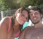 Mon meilleur ami et moi a la piscine du camping