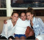mary-kate et ashley oslen et avec leurs soeur