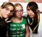 Alison, Sarah & Kazuu'