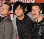 GREEN DAY pose  (et ont adore ^^)