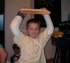 moi a 7 an avec 2 bras péter =)