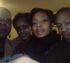 maman , ma bel soeur agnés , k-dya & le brother .. LA FAMILY