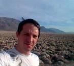 moi au lac salé a coté de la vallée de la mort ...( nevada )