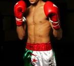 SOFIANE SEBIHI il boxe en representant l'Algerie !!!