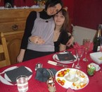 Ma grand soeur et moi a Noël =)