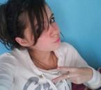 Justine (L)