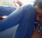 moii :> dans le bus pour revenir en france :((
