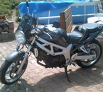 la première moto de ma fille 650 SV SUZUKI