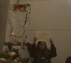 ma soeur avec son diplome