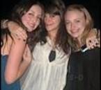 Dakota et ses amies Jordyn et Kim ( Kimmie ).