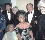 Elizabeth Taylor, sa mère Sara Taylor,Andy Warhol en 1986