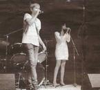 Avec Sandra sur scène (photo l'article sur la Marseillaise )