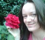 eu si trandafirul floarea mea preferata