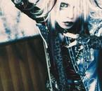 Yuuki chanteur de  Lycaon <3