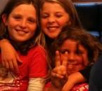 moiii et ma best et ma soeur