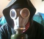 Tr0 D4rk mon masque qui crache du gaz