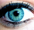 Le Bleu de mes Yeux ; Trahi un Coeur Amoureux ...