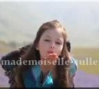 Makenzie Foy alias Renesmee carlie cullen