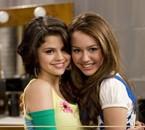 Miley Cyrus et Selena Gomez