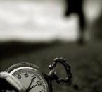 Regarde pas le temps passé, profite plus tôt de la vie ;)