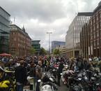 petit rassemblement motards d'environs 29000 motos ...lol