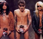 Nikki Sixx.☠ Tommy Lee.✗ Vince Neil.✎