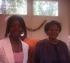 Moi et ma maman . On se ressemble, nn? <3