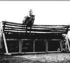 le cheval ki a fait le plus haut saut 2metre47 de haut !!!