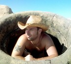 Moi dans un bunker sur une plage de Camargue.