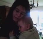 moi et mon neveu qui s'est endormi dans mes bras