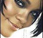 Rihanna-001
