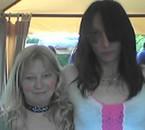 a gauche c est ma maman et a droite votre servante ... y a u