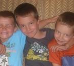A gauche: Benjamin(mon neveu) Kévin et Ryan (mes fils)