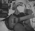 Moi et une de mes guitares.