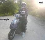 moi sur mon scoot pour linstan il trace a 120km/h