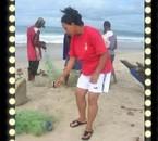 Sur la plage de Tamatave à côté de mon hôtel Marotia