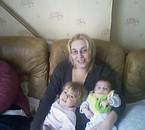 mon autre cousine et c'est deux ptits cassandra et brayan