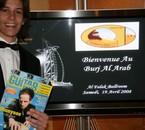Pose pour Guitar Part à Dubai
