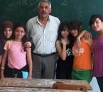 Amel Ines Lina Le prof 2 phisik Sara Carine et Yasmine