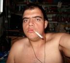 MOI ANTONIO MONTANA ENTRIN DE FUMER MA CLOPE TRANQUILLE !!!!