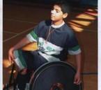 sé moi en joueant le basket