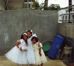 Moi,, kelly ,, Karen - Ile Maurice 2001 communion =) <3